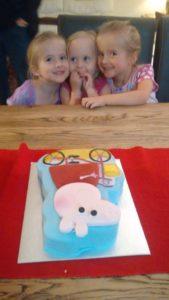 H, S, L Peppa Pig Cake 15.5